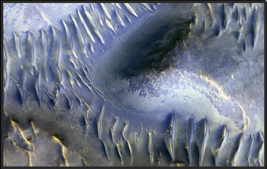 The Splitting of the Dunes. Image: JPL-NASA